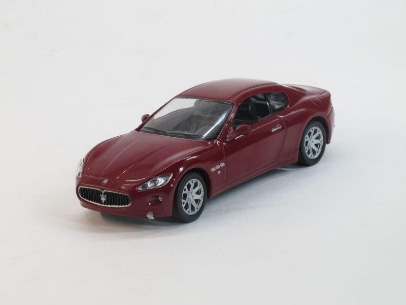 """Изображение модели Maserati GranTurismo журнала """"Суперкары. Лучшие автомобили мира"""""""