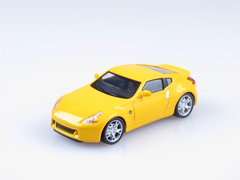 """Изображение модели Nissan 370Z журнала """"Суперкары. Лучшие автомобили мира"""""""