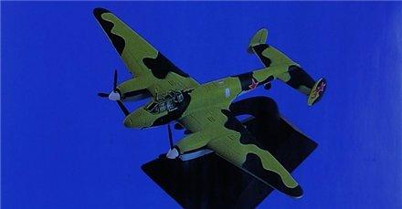 """Изображение модели Пе-2 журнала """"Легендарные самолеты"""""""