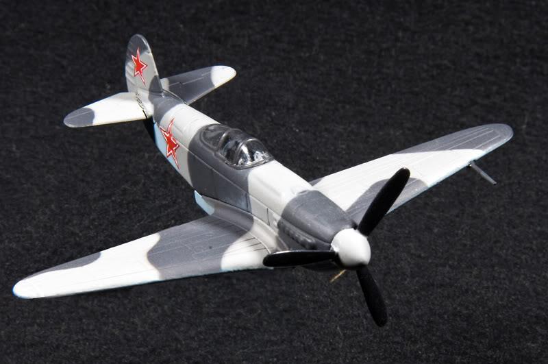 """Изображение модели Як-3 журнала """"Легендарные самолеты"""""""