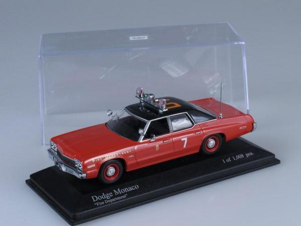Dodge Monaco (Minichamps) [1974г., Красный, 1:43]