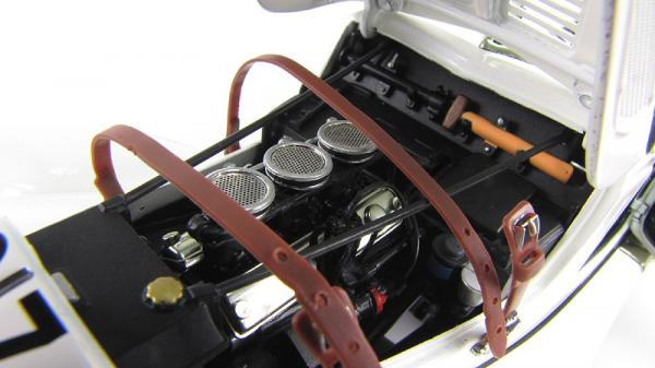 BMW 328 ROADSTER 1939 #27 (Autoart) [1939г., Белый, 1:18]
