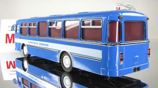 ЛИАЗ-677М безопасность движения (Советский автобус) [1967г., Бело-голубой, 1:43]