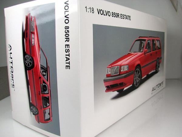 VOLVO 850R ESTATE (Autoart) [1996г., Красный, 1:18]
