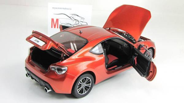 Toyota GT86 (Century Dragon) [2012г., Оранжевый, 1:18]