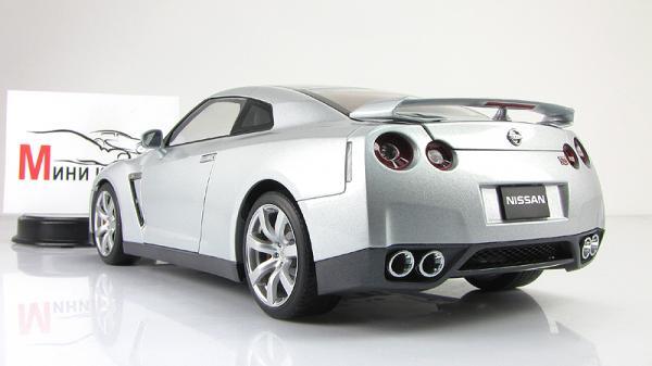 NISSAN GT-R (R35) (Autoart) [2007г., Серебристый, 1:18]