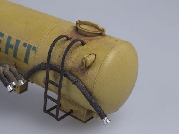 ЗИЛ-130В1 с полуприцепом-цементовоз ТЦ-11, со следами эксплуатации (СарЛаб) [1962г., Голубая кабина с желтой цистерной, 1:43]