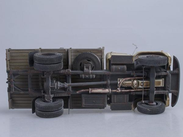 ЗиЛ-130 сортиментовоз с трубами, со следами эксплуатации (СарЛаб) [1974г., Бежевая кабина, 1:43]