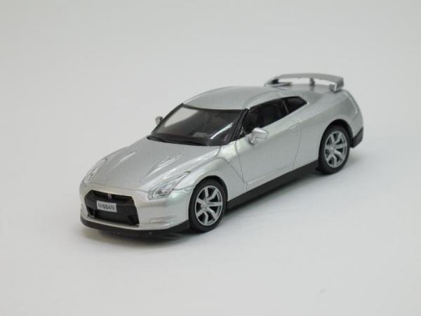Nissan GT-R (DeAgostini (Суперкары мира)) [2007г., Серебристый металлик, 1:43]