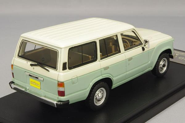 Toyota Land Cruiser 60 Flex Dream (Hi-Story) [1982г., Зеленый, белый, 1:43]