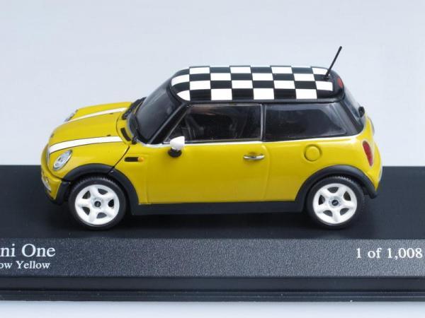 Mini One (Minichamps) [2001г., Желтый с черно-белой крышей, 1:43]