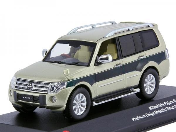 Mitsubishi Pajero Long S-E (J-collection) [2012г., Бежевый, зеленый, 1:43]