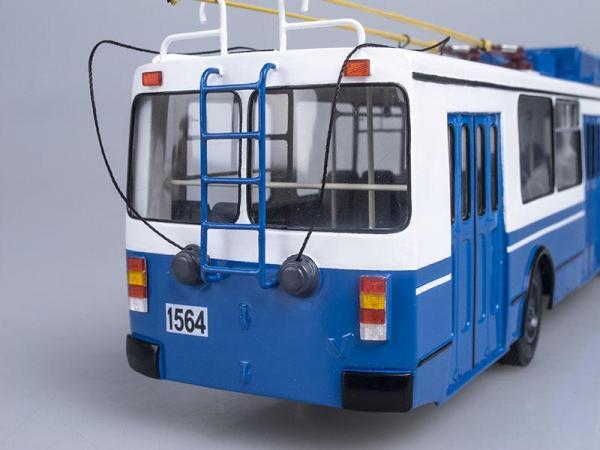 ЗИУ-682Г М1, Москва, 1-й парк (Vector-Models) [1991г., Синий с белым, 1:43]