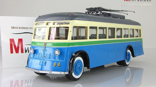 ЯТБ-1, Музей СПб (Vector-Models) [1937г., Голубой с бежевым, 1:43]