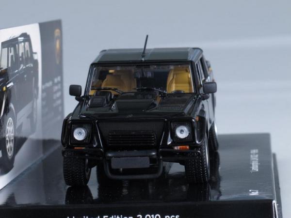 Lamborghini LM002 (Minichamps) [1984г., Черный, 1:43]