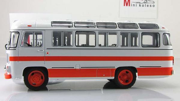 ПАЗ-672М (Советский автобус) [1982г., Бело-оранжевый, 1:43]