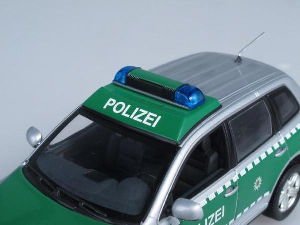 """Volkswagen Touareg mit Pferdeanhanger """"Polizei Dresden"""", Полиция Дрездена (Minichamps) [2002г., Серебристый металлик с зеленым, 1:43]"""