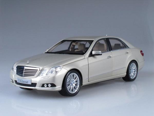 Mercedes-Benz E-Class Elegance (W212) (Minichamps) [2009г., Бежевый жемчуг, 1:18]