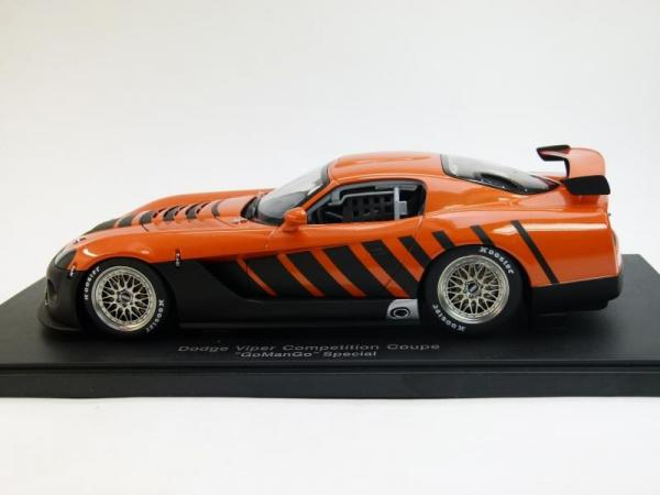 Dodge Viper Competition Coupe GoManGo Special (Autoart) [1996г., Оранжевый с черным, 1:18]