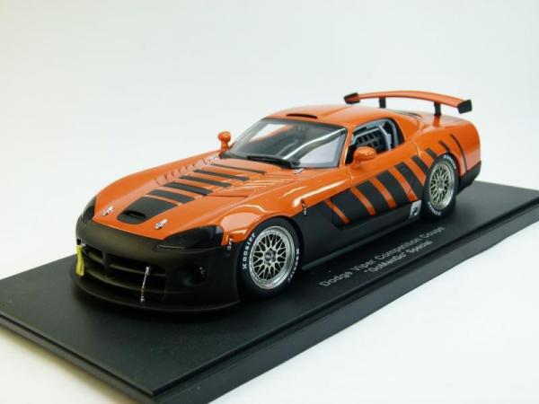 Dodge Viper Competition Coupe GoManGo Special (Autoart) [1996г., Оранжевый с черным, 1:18]