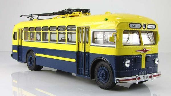 МТБ-82Д (ULTRA Models) [1946г., Бежевый и лимонный, 1:43]