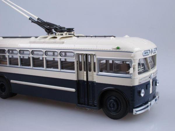 МТБ-82Д (ULTRA Models) [1946г., Бежевый и темно-синий, 1:43]
