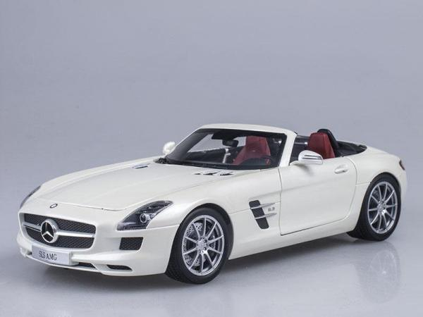 Mercedes-Benz SLS AMG Roadster (Minichamps) [2011г., Белый, 1:43]