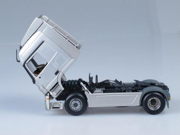 Mercedes-Benz Actros (Minichamps) [1996г., Серебристый металлик и синяя фура, 1:43]