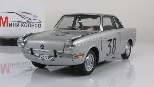 BMW 700 RENNSPORT COUPE FLUGPLATZRENNEN INNSBRUCK 1960 HANS STUCK #38 (Autoart) [1960г., серебристый/черный, 1:18]