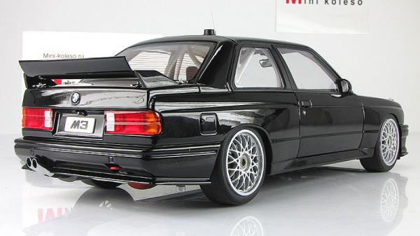 BMW M3 (E30) DTM PLAIN BODY VERSION (Autoart) [1982г., Черный, 1:18]