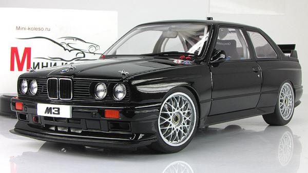 BMW M3 (E30) DTM PLAIN BODY VERSION (Autoart) [1982г., Черный, 1:18]