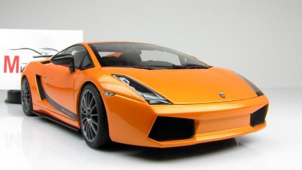 LAMBORGHINI GALLARDO SUPERLEGGERA (Autoart) [2007г., Оранжевый, 1:18]