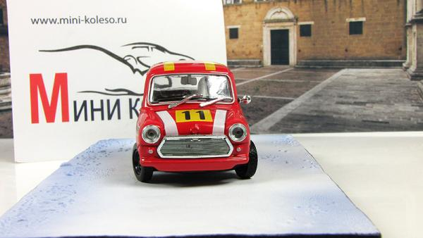AUSTIN Mini On Her Majestys Secret Service (Atlas/IXO) [1969г., Красный, 1:43]