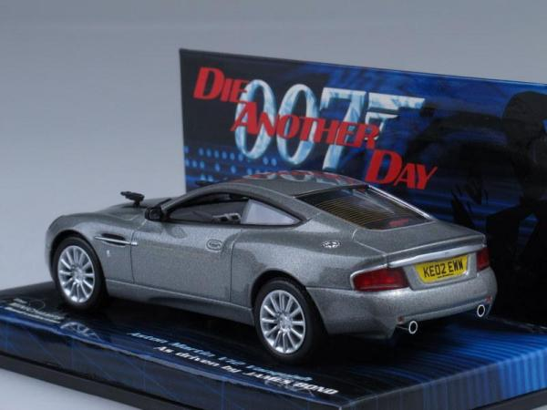 Martin Vanquish V12 James Bond (Minichamps) [2002г., Серебристый металлик, 1:43]