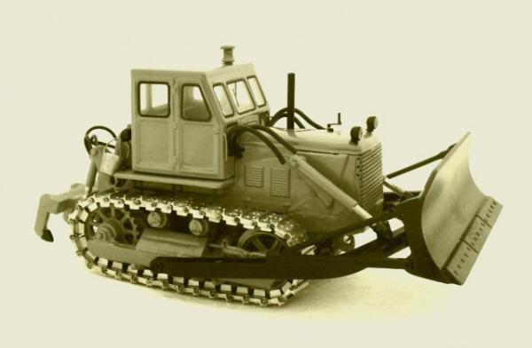 Трактор Т-100 МГП с бульдозерно-рыхлительным устройством (Миниград) [1964г., Серый, 1:43]