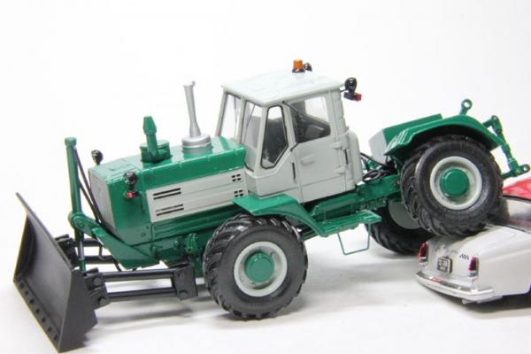 Трактор Т-150КД (Миниград) [2005г., Зеленый, 1:43]