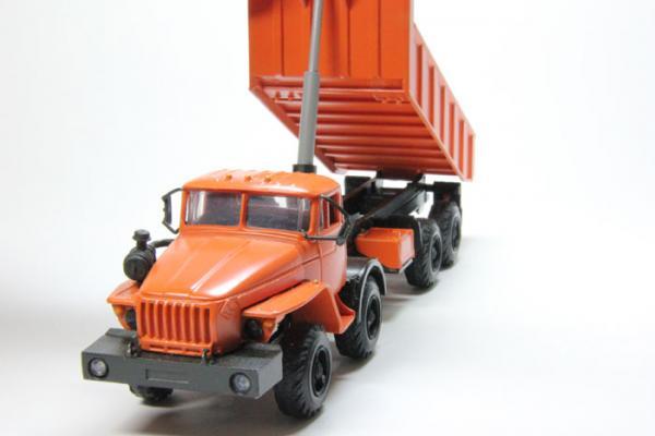 Урал-6614 самосвал 8х8 (Миниград) [1980г., Оранжевый, 1:43]