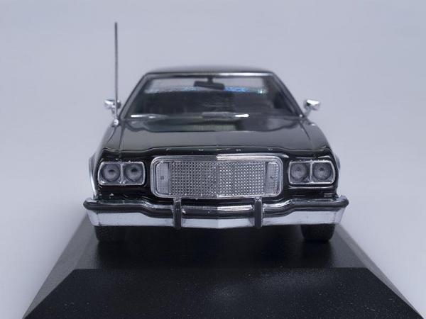 Ford Torino (Minichamps) [1976г., Черный, 1:43]