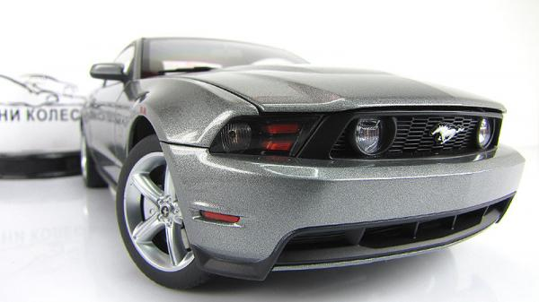 FORD MUSTANG GT (Autoart) [2010г., Серый, 1:18]