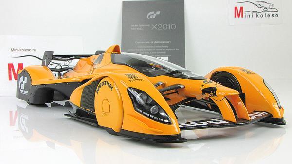 RED BULL X2010 (Autoart) [2010г., Оранжевый, 1:18]