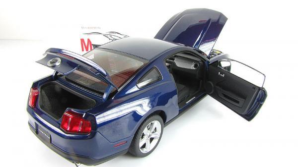 FORD MUSTANG GT (Autoart) [2010г., Синий, 1:18]