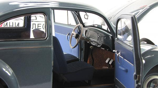 VOLKSWAGEN BEETLE KAEFER LIMOUSINE (Autoart) [1955г., Голубой, 1:18]