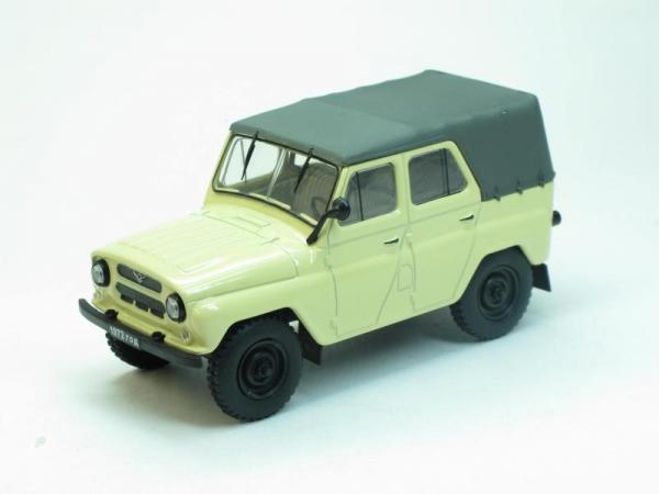 УАЗ-469Б (Наш Автопром) [1972г., Слоновая кость, 1:43]