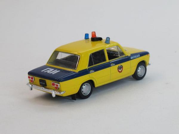ВАЗ-2101 Жигули, ГАИ СССР (DeAgostini (Автомобиль на службе)) [1972г., Лимонный с синей полосой, 1:43]