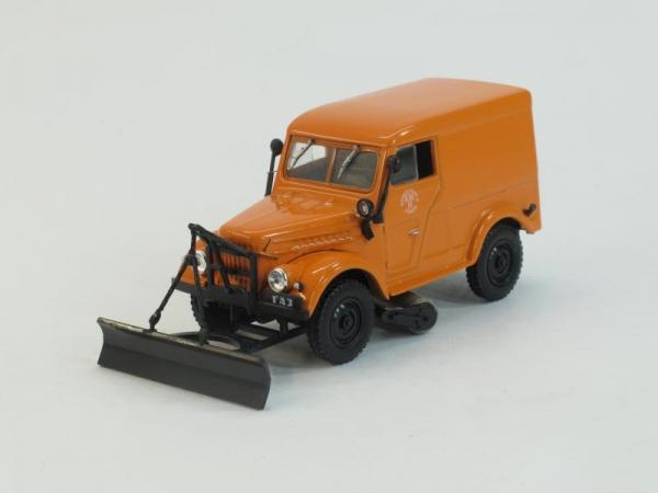 ГАЗ-69 Т-3 Тротуароуборочная машина (DeAgostini (Автомобиль на службе)) [1960г., Оранжевый, 1:43]