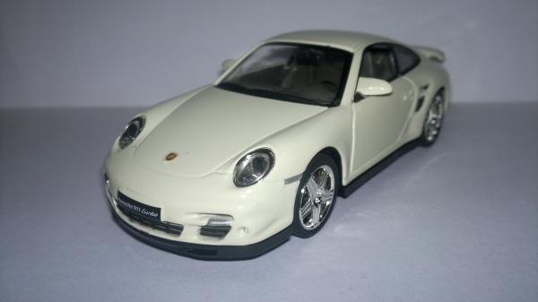 Porsche 911 Turbo (UNI-Fortune) [Бежевый, 1:32]