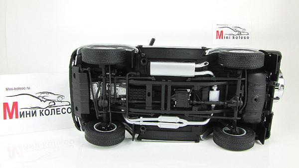 MERCEDES-BENZ G500 (Autoart) [1998г., Серебристый, 1:18]