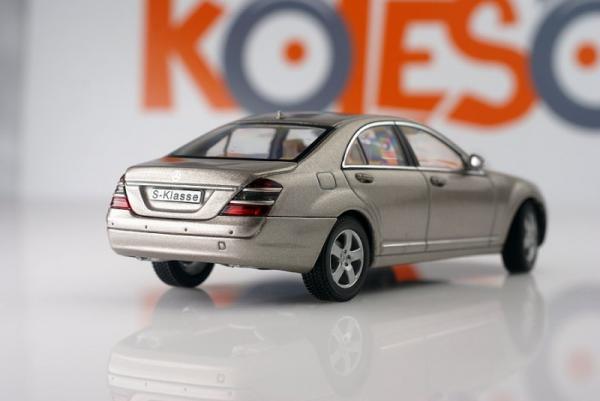Mercedes-Benz S-Klasse (Autoart) [2005г., Серый, 1:43]