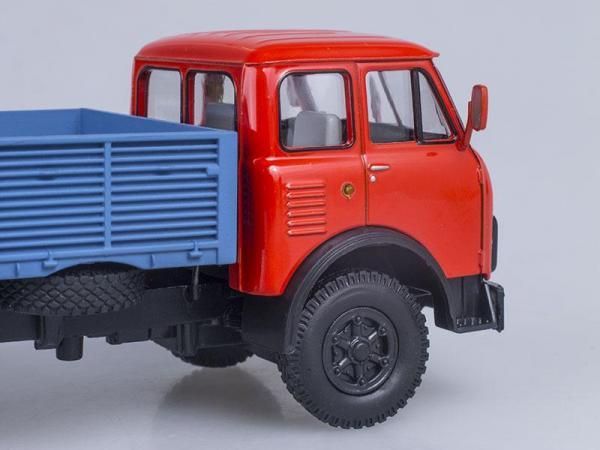 МАЗ-5335 бортовой (Наш Автопром) [1977г., Красный и голубой, 1:43]