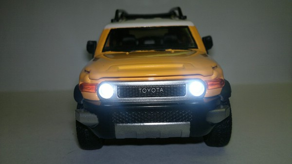 Toyota FJ Cruiser (Sheng Hui) [2006г., Желтый, 1:32]